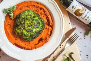 Čičerikin pire z brokolijem