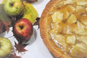 Jabolčna pita z nadevom iz jabolčnega soka